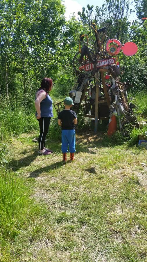 the 'rubbish' sculpture