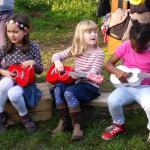 ukulele players